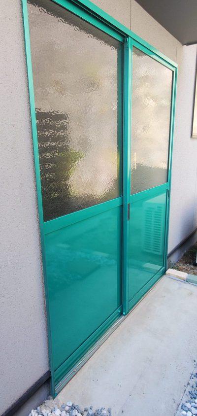 福山市 外構フェンスの塗装と店舗の玄関塗装