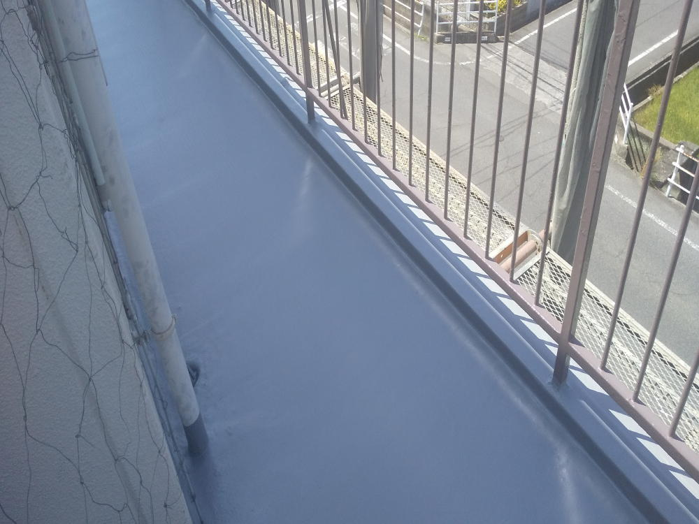 福山市東深津町ビル「手すり塗装」と「土間塗装」