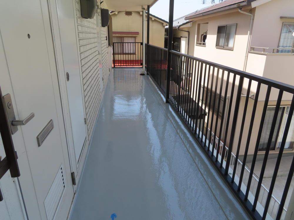福山市 三吉町 アパート 廊下・階段床塗装工事
